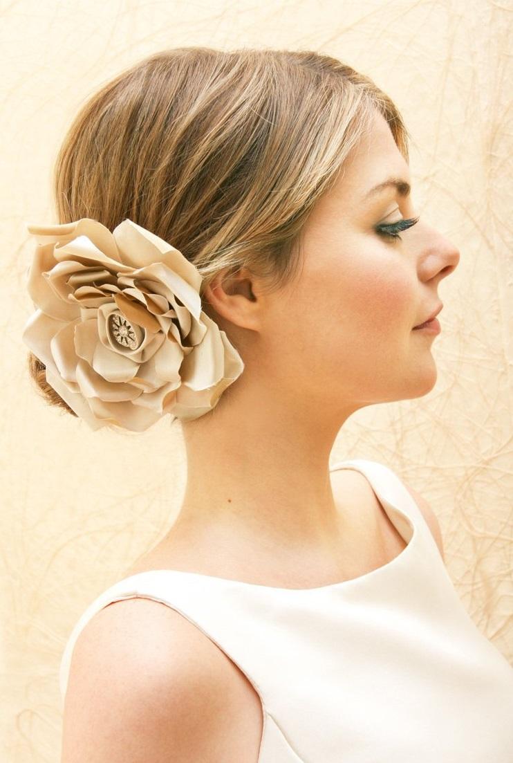 Kwiaty we włosach 1