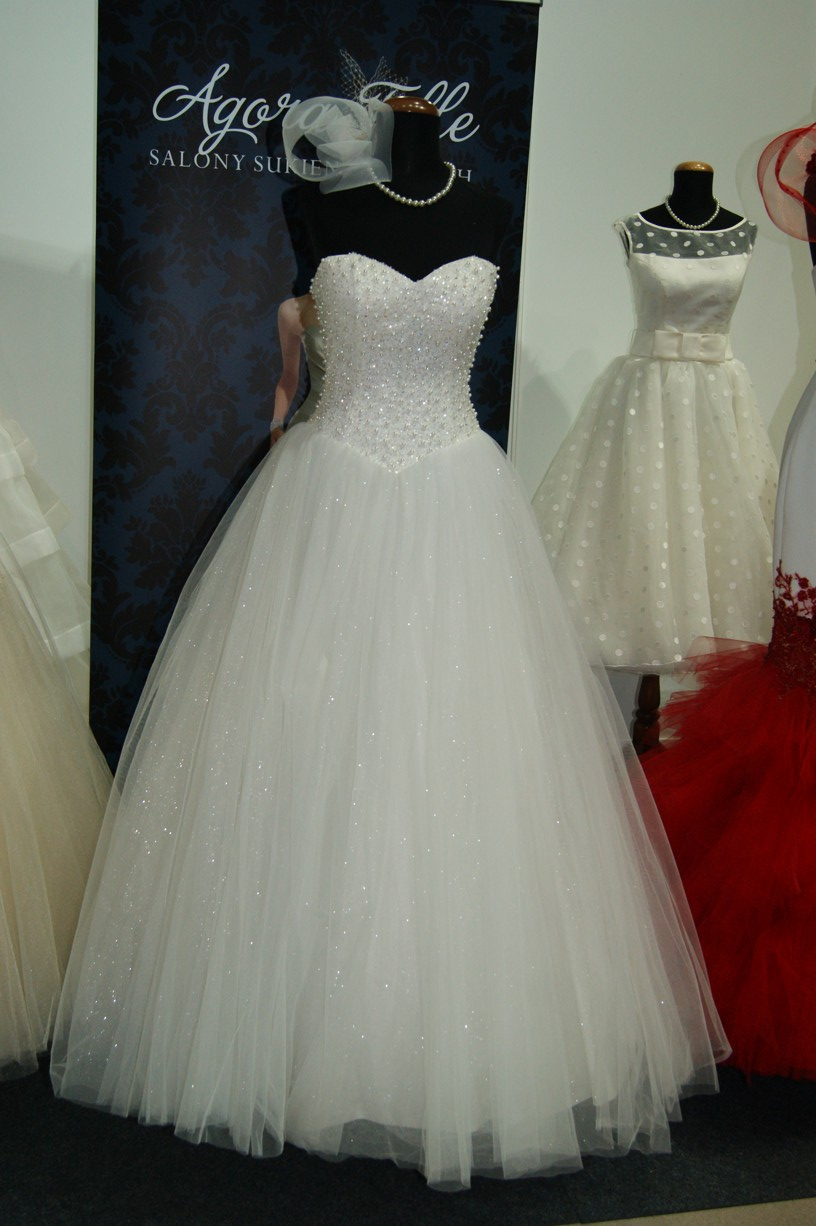 Salon sukien ślubnych AGORA i Elle 3