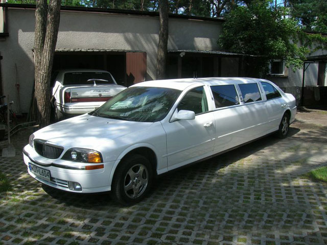 "Lincoln Stretch ""TownCar"""