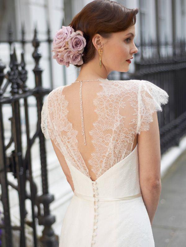 Suknia z koronkami