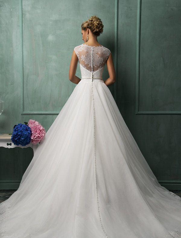 Suknia z koronkami 1