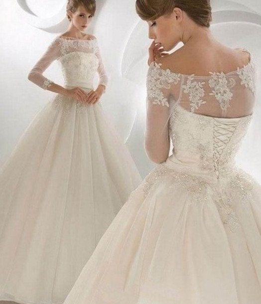 Suknia z koronkami 10