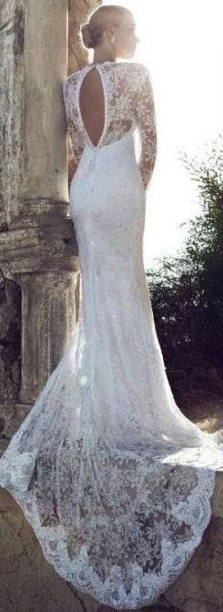 Suknia z koronkami 3