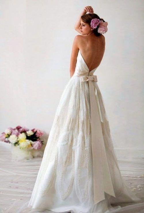 Suknie bez pleców 11