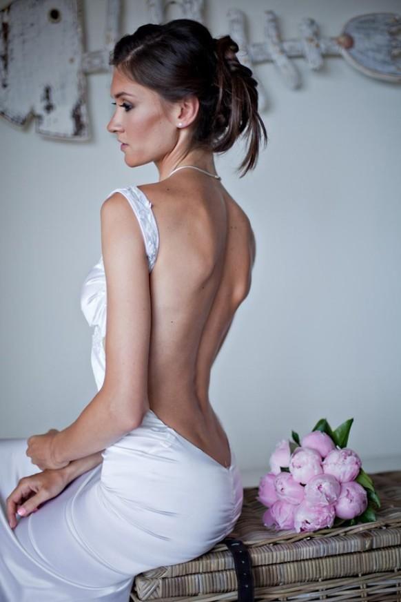 Suknie bez pleców 4