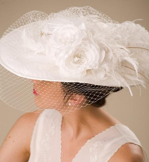 Do ślubu w kapeluszu