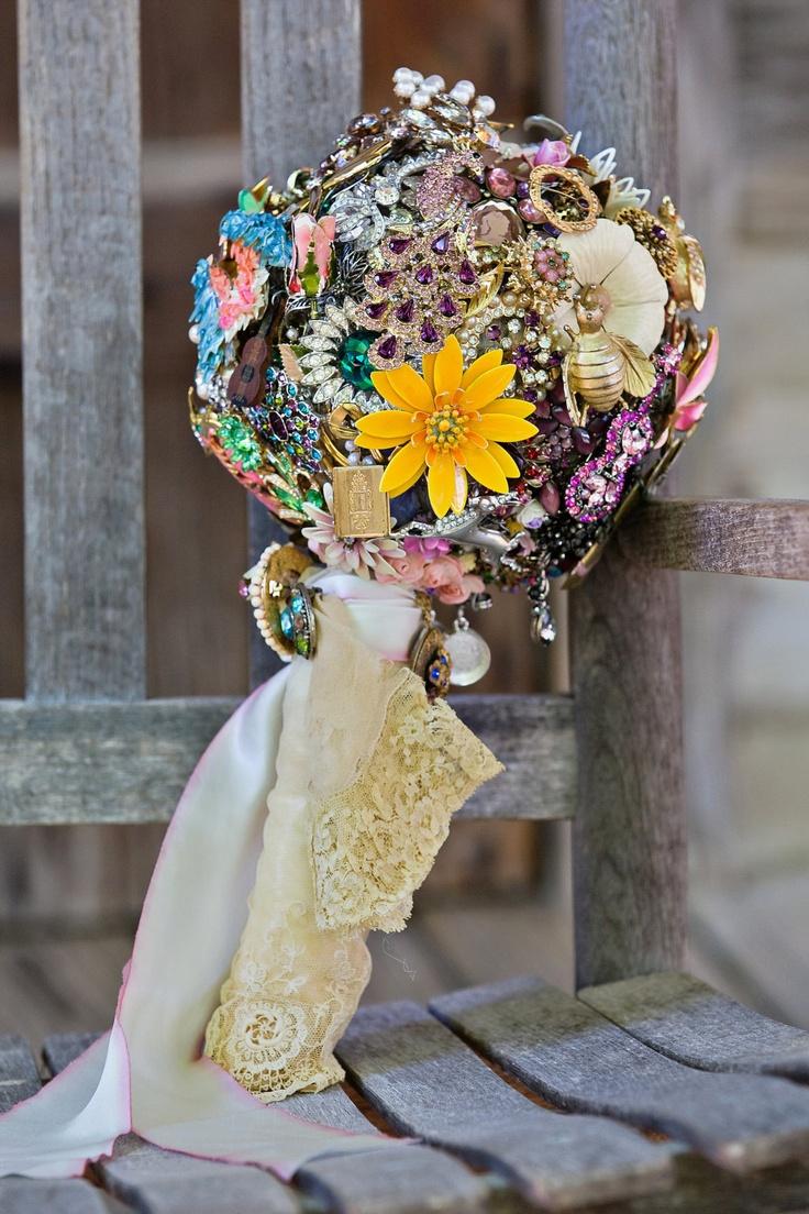 Bukiety ślubne - z czego 3