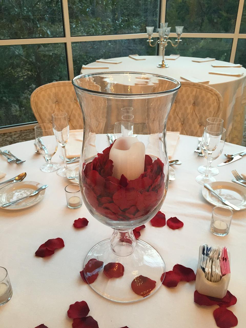 Płatki kwiatów na ślubie (2)