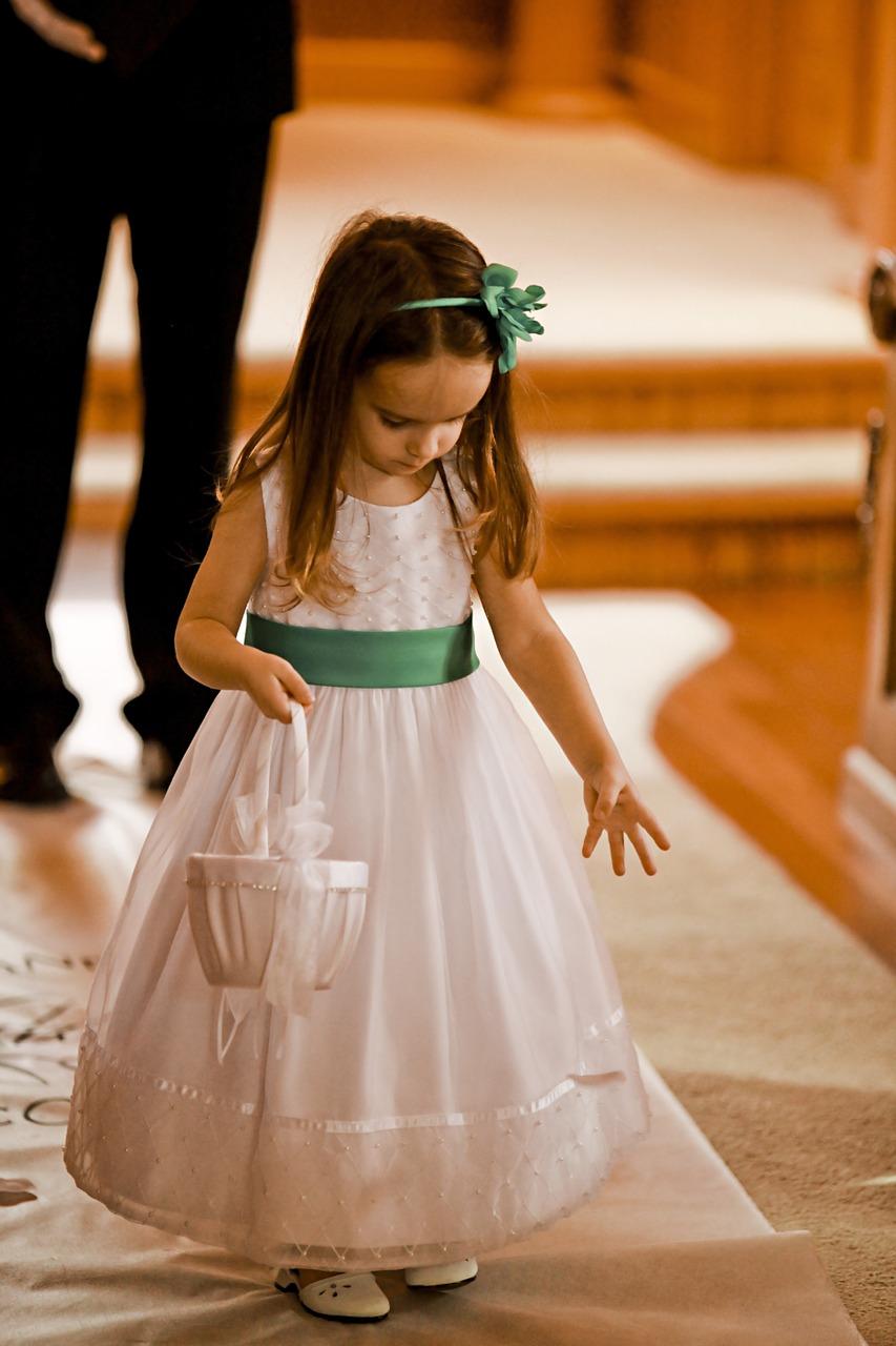 Płatki kwiatów na ślubie (4)