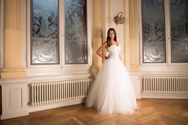Suknia ślubna księżniczka (1)