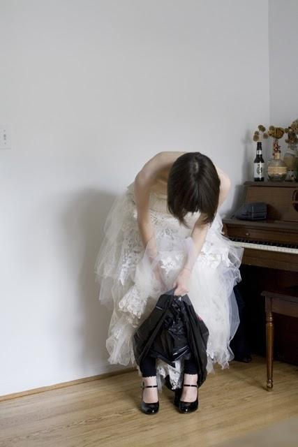 WC w sukni ślubnej 3