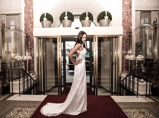 Ślubne trendy suknie ślubne (1)