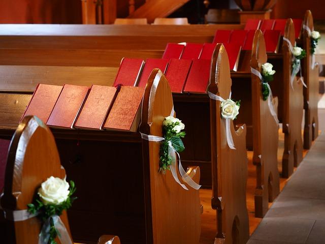 Dekoracje kościoła na ślub (3)