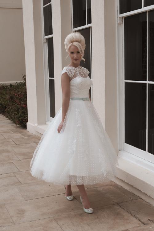Krótkie suknie ślubne (13)
