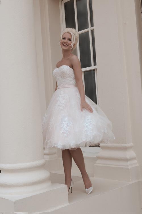 Krótkie suknie ślubne (14)