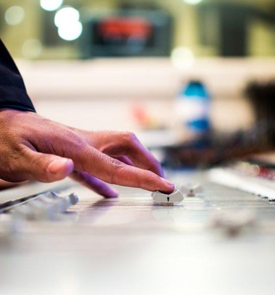 DJ na wesele – czy to dobry wybór?