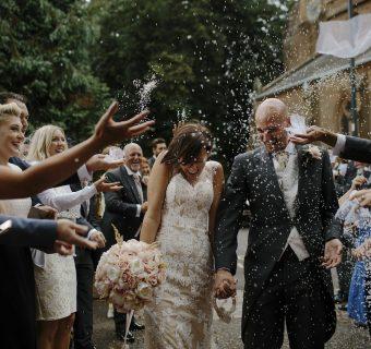 Modowe faux-pas, czyli jak nie powinni ubierać się goście weselni?