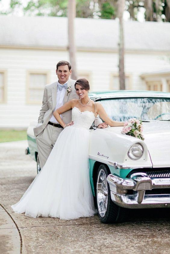retro auto do ślubu