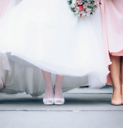 Uwaga, nowy trend! Kolorowe obuwie dla Panny Młodej!